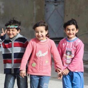 bambini siriani che sorridono