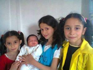 29 luglio 2013 Homs Teirmaallat le sorelline Alf martiri